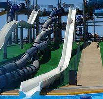 Drehende Rutsche / für Aquapark / röhrenförmig