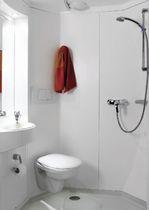 Modernes Badezimmer / Fertig