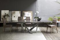 Moderner Esstisch / Metall / Feinsteinzeug / rechteckig