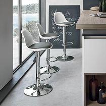 Moderner Barstuhl / höhenverstellbar / zentrales Fußgestell / aus Polypropylen