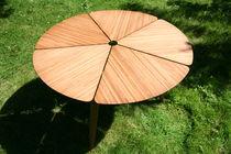 Moderner Esstisch / aus Bambus / rund / Außen