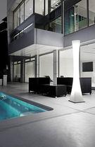 Moderne Leuchtsäule / aus Polycarbonat / LED / Außenbereich