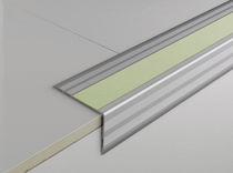 Stahl-Treppenkante / langnachleuchtende