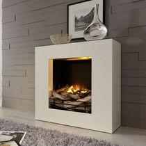 Elektrischer Kamin / modern / Geschlossene Feuerstelle / einbaufähig