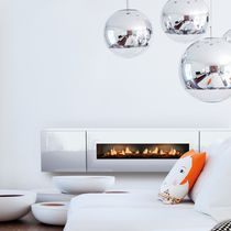 Elektrischer Kamin / modern / Geschlossene Feuerstelle / Wandmontage