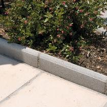Garten-Randeinfassung / Beton / linear / horizontal