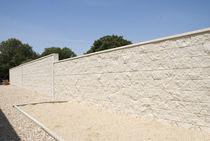 Hohlbetonstein / für Vorge te für Stützmauern / unverputzt