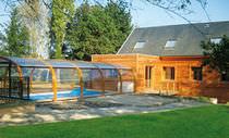 Hohe Schwimmbadüberdachung / teleskopisch / Holz / mit manueller Bedienung