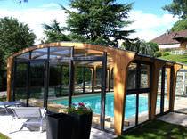 Hohe Schwimmbadüberdachung / Holz / mit manueller Bedienung