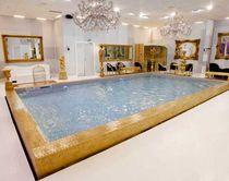 Erdverlegtes Schwimmbecken / Beton / Schalung Polymer / Innenbereich