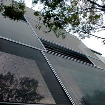 Metall-Geflecht / für Fassadenverkleidung / für Innenausbau / für Sonnenschutz / für Decke
