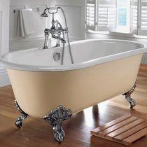 Badewanne auf Füßen / oval / aus Gusseisen / doppelt