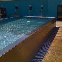 Schwimmbecken zum Aufstellen / Edelstahl / Außenbereich