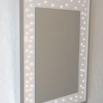 Wandmontierter Spiegel / modern / rechteckig / beleuchtet