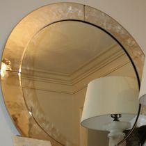 Wandmontierter Spiegel / modern / rund