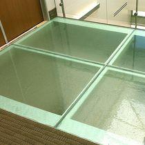 Fußboden Glasplatte / für Büro / für Gebäude / Dekor