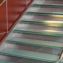 Halbgewendelte-Treppe / gerade / Metallstruktur / Glasstufen