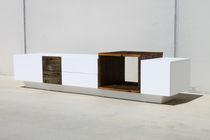 Sideboard / originelles Design / aus Massivholz / mattlackiertes Holz / nach Maß