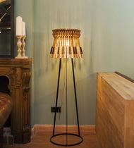 Stehlampe / originelles Design / Eisen / Holz