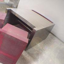 Couchtisch / originelles Design / polierter Edelstahl / aus lackiertem Stahl