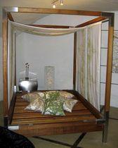 Doppelbett / Himmel / modern / aus Iroko