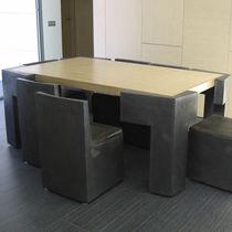 Tisch- und Stuhlkombination / originelles Design / Holz / aus Metall / für Innenbereich