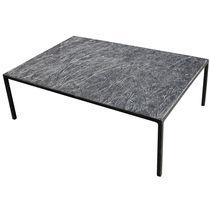 Couchtisch / minimalistisches Design / aus Metall / aus Kunststein