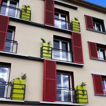 Stein-Pflanzkübel / quadratisch / modern / für öffentliche Bereiche