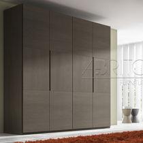 Moderne Kleiderschrank / Melamin / mit Flügeltüren