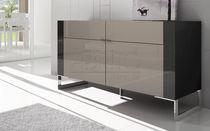 Hohes Sideboard / modern / Holz / lackiertes Holz