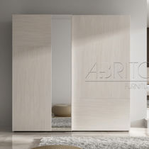 Moderne Kleiderschrank / Holz / Schwingtüren / Spiegel