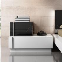 Moderne Nachttisch / lackiertes Holz / rechteckig / für Innenbereich
