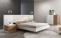 Doppelbett / Schwebe / modern / Holz