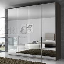 Moderner Kleiderschrank / Holz / Schwingtüren / Spiegel