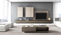 Moderne Wohnwand / Holz / lackiertes Holz