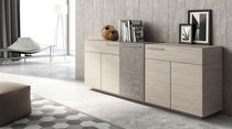Modernes Sideboard / Holz