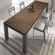 Moderne Esstisch / Holz / rechteckig / für Innenbereich