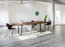 Moderner Besucherstuhl / drehbar / Polster / mit Armlehnen