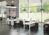 Schreibtisch für Open Space / Holz / Stahl / modern