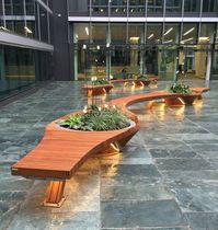 Parkbank / originelles Design / Holz / Metall