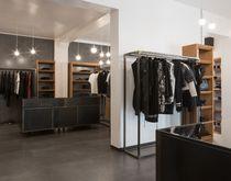 Keramikbodenbelag / Privathäuser / Fliese / glatt