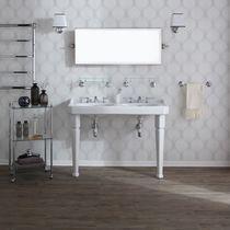 Doppeltes Waschbecken / freistehend / rechteckig / Keramik