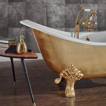 Badewanne auf Füßen / aus Gusseisen / Kupfer