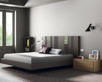 Schwebebett / Doppel / modern / Holz