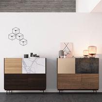 Modernes Sideboard / lackiertes Holz / aus Eiche