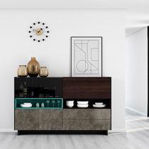 Modernes Sideboard / aus Eiche / lackiertes Glas