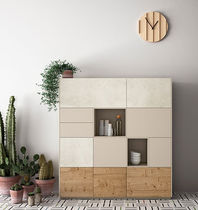 Hohes Sideboard / modern / lackiertes Holz / aus Eiche
