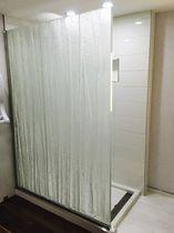 Einflügelige Duschwand / feststehend / beleuchtet