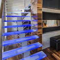Glasstufe / rutschfest / hochbeständig / integrierte LEDs
