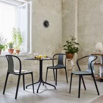 Moderner Restaurantstuhl / mit Armlehnen / Bistro / Holz